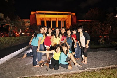Babes' LG at UP Oblation